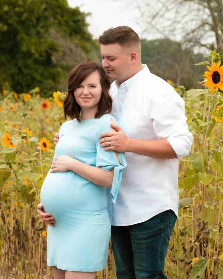 A prompted maternity photo