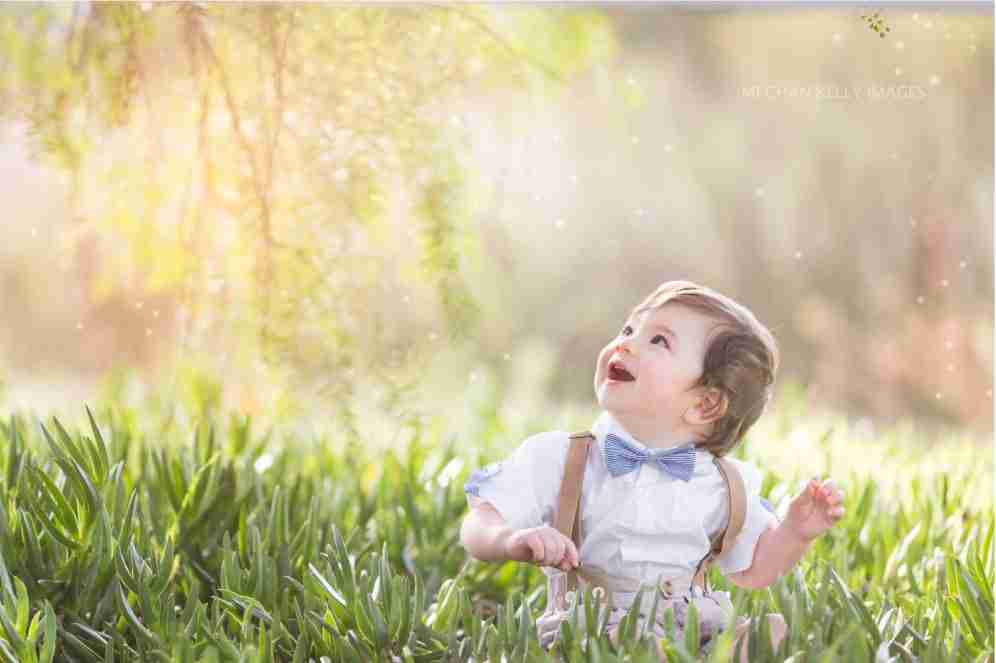 Portrait-Photographer-Holland-Michigan-Baby-with-Gnats
