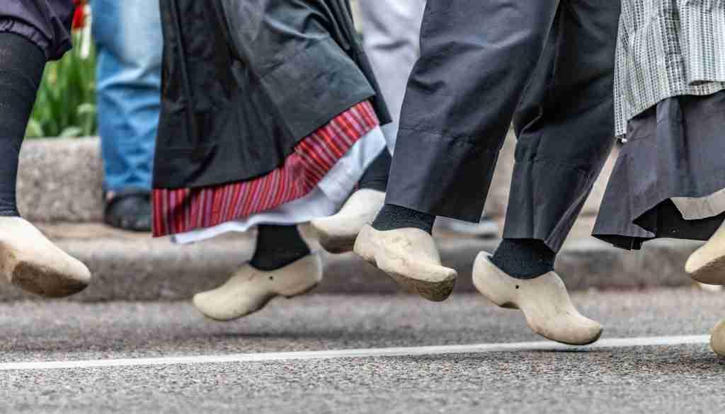 Dutch Dancers Feet