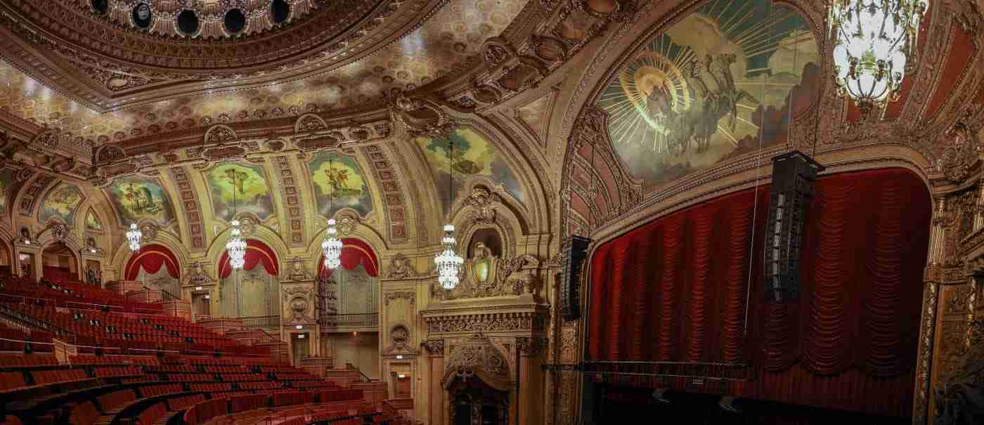 Murals on the ceiling of the Chicago Theater