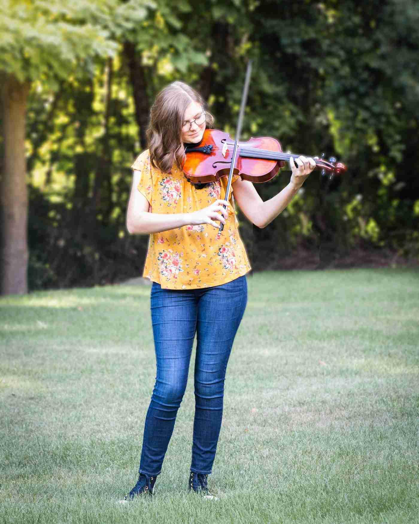 Hanna Senior Portrait Violin 1