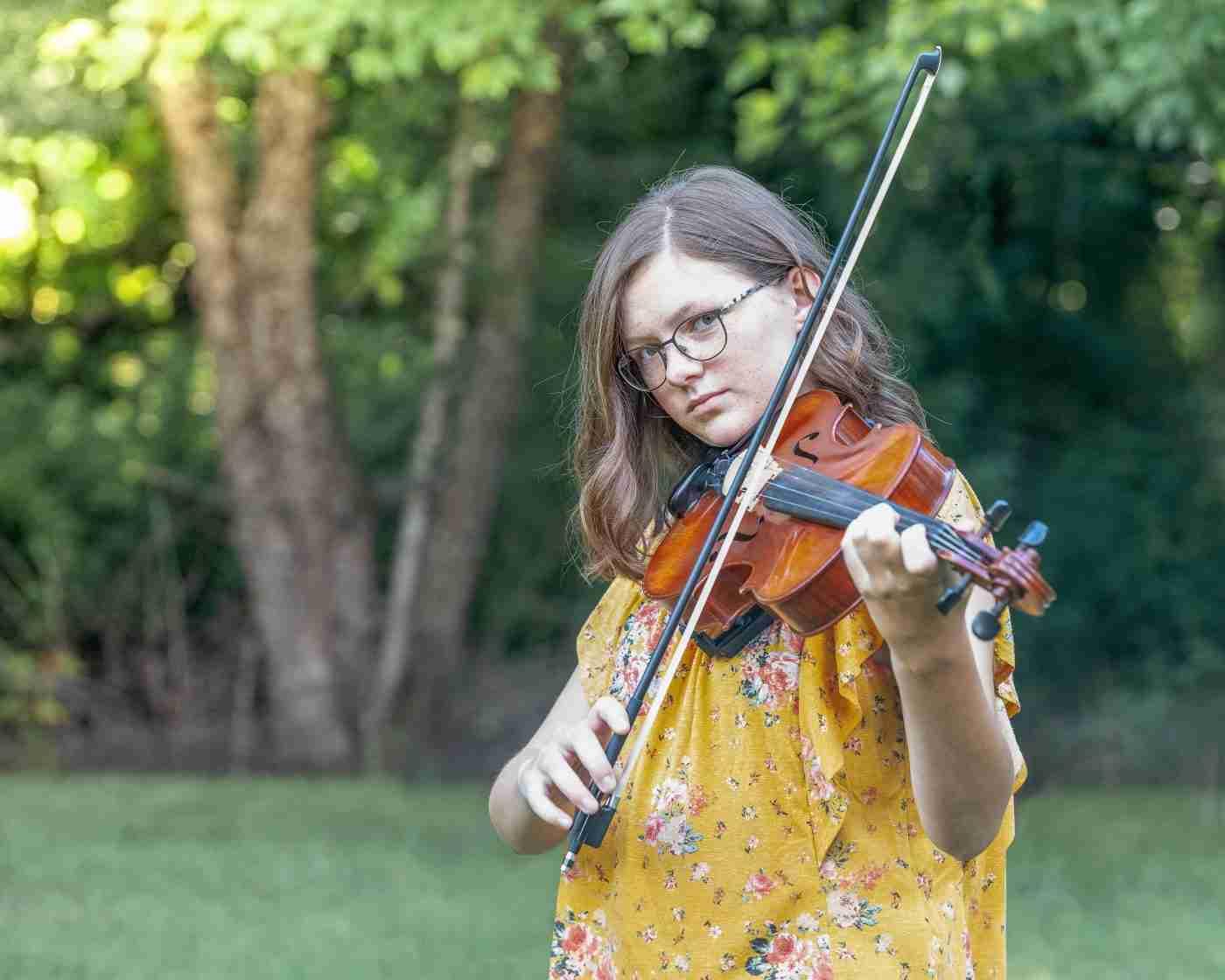 Hanna Senior Portrait Violin 3