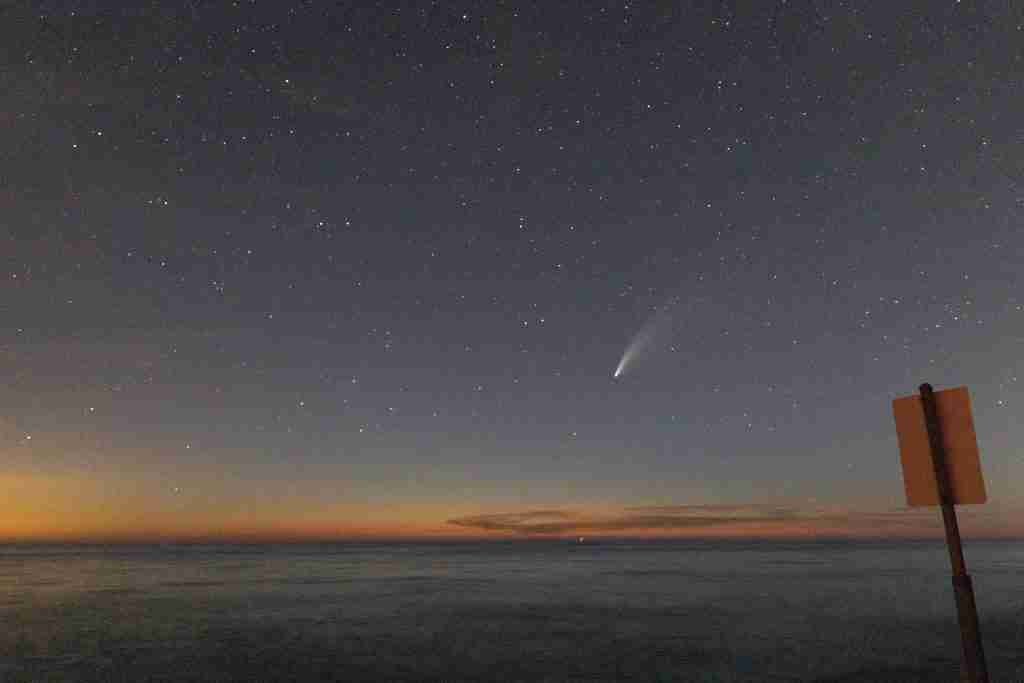 A grainy photograph of Neowise Comet in the night sky